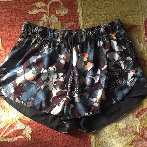 Lululemon Go the Distance Short Butterfly size 12